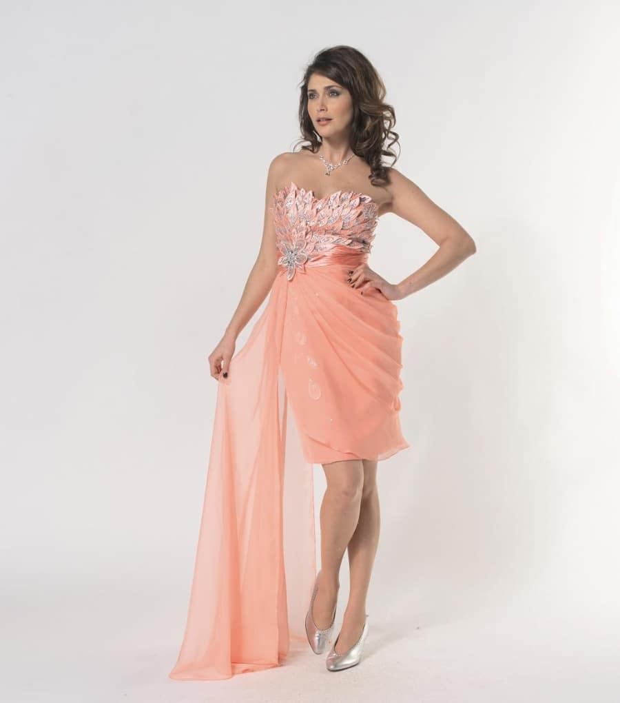 Savoir choisir sa robe corail