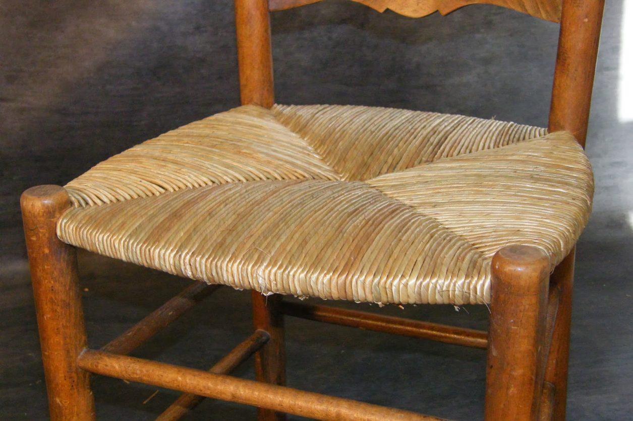 comment rempailler une chaise video. Black Bedroom Furniture Sets. Home Design Ideas